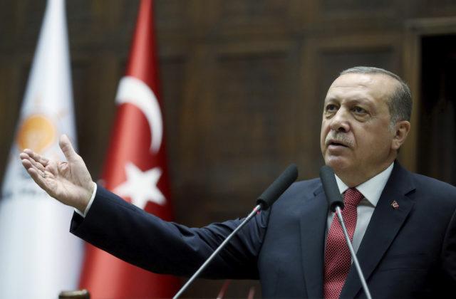 """Erdoğan: Ak Francúzsko odmietne stiahnuť zákon o """"separatizme"""", milióny moslimov budú rozrušené a to znamená…."""