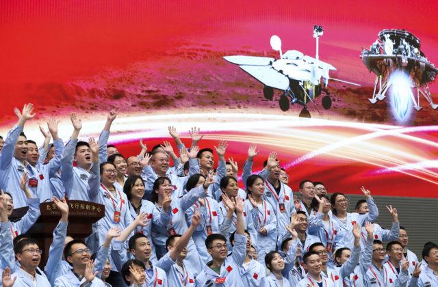 Na Marse po prvý raz pristál čínsky rover, bude hľadať dôkazy o živote (video)