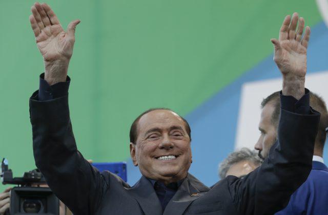 Silvio Berlusconi sa dostal z nemocnice, podstupoval tam liečbu spojenú s koronavírusom