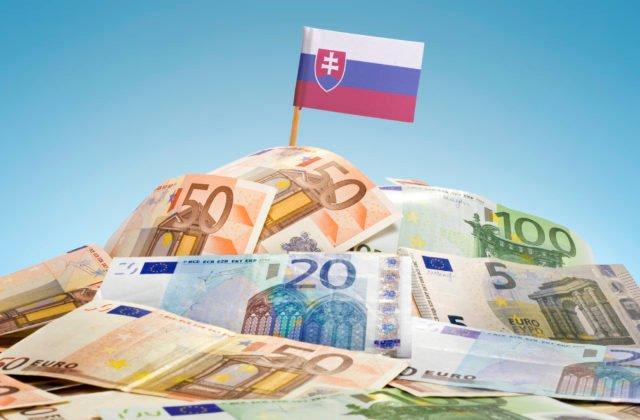 Rast slovenského HDP dobehne predkrízovú úroveň v druhej polovici roka, prognózujú analytici