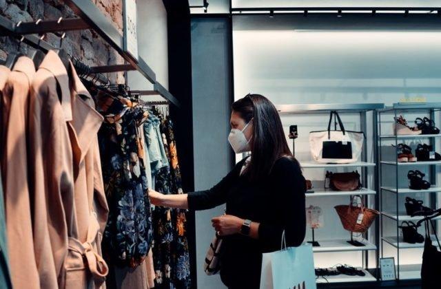 Slováci po roku pandémie menia nákupné správanie