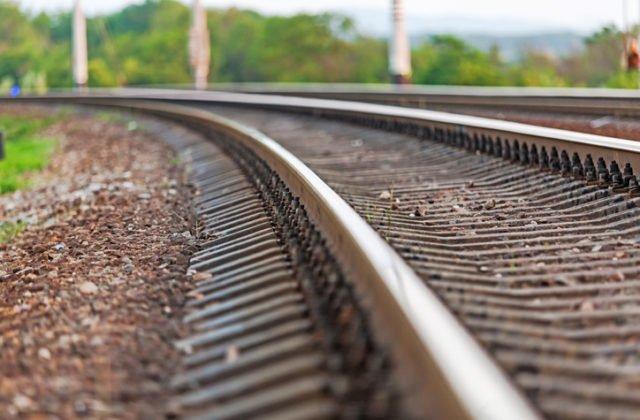 Osobný vlak v Čachticiach zrazil dieťa, dychová skúška u rušňovodiča bola negatívna