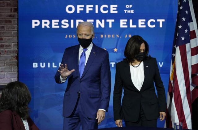 Biden s Harrisovou predbehli aj uznávaného lekára, magazín Time vyhlásil Osobnosť roka