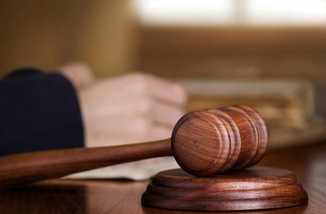 Súd pojednáva v kauze vraždy bývalého bosa nitrianskeho podsvetia Sýkoru