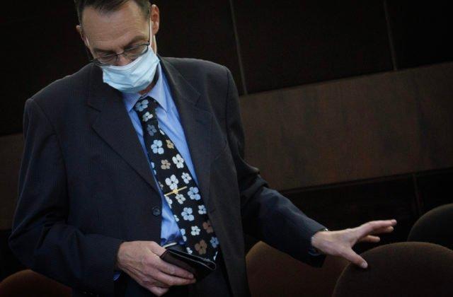 Na súde s Trnkom prehrávali odposluchy, ktoré vznikli odpočúvaním v jeho aute (video)