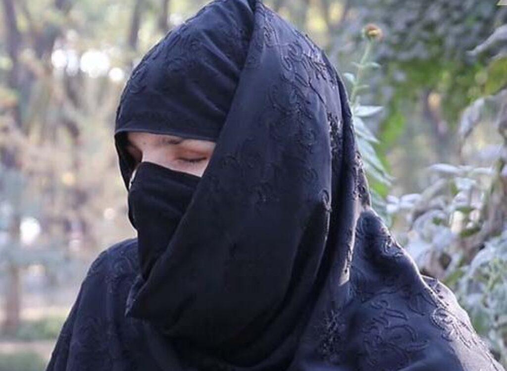 Taliban jej vypichol oči a nechával vykrvácať. Teraz varuje, že ženy nie sú pre nich ľudia