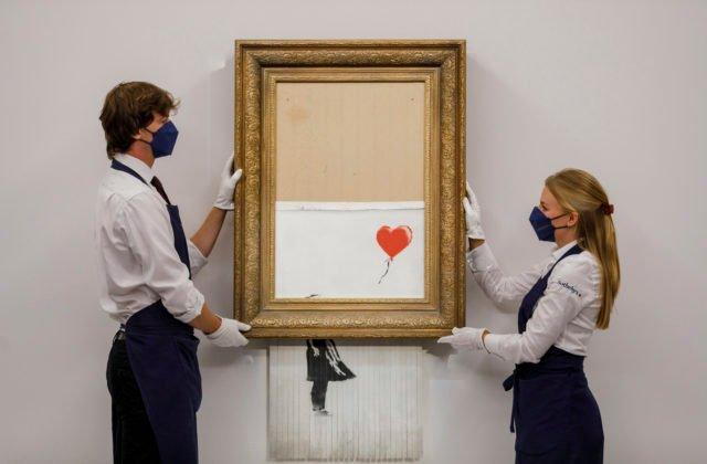 Banksyho skartované Dievča s balónom vydražili za viac než osemnásť miliónov libier