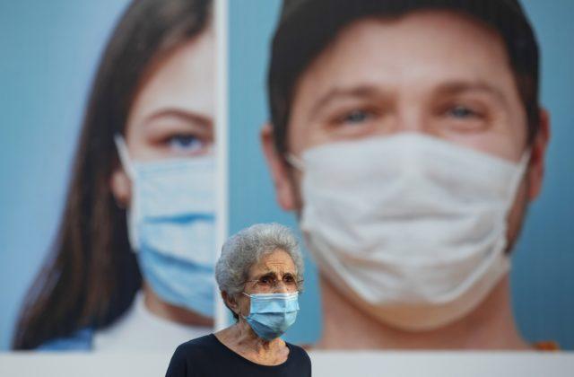 Po nákaze na koronavírus môžete zhlúpnuť, preukazujú vedci