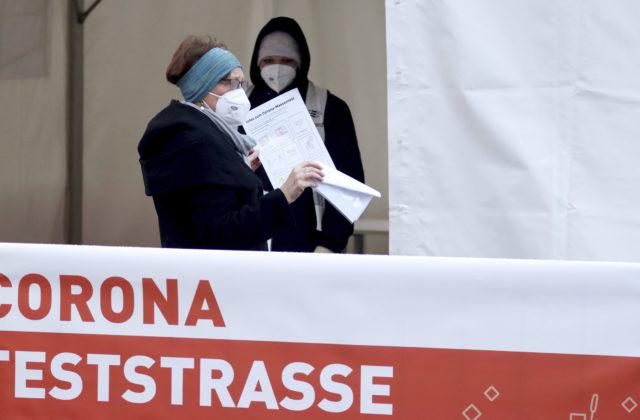 Rakúska vláda neodporúča návštevy Tirolska, začala sa tam šíriť juhoafrická mutácia COVIDU-19