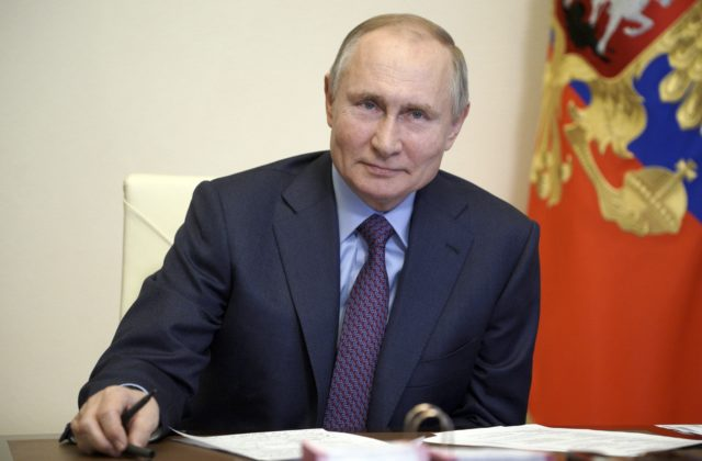Nemecká vláda obvinila Moskvu z kybernetických útokov a vyzvala ju, aby s tým okamžite prestala. Najhorším dezinformačným útokom čelia Zelení, ktorí sú zároveň najkritickejší voči Kremľu