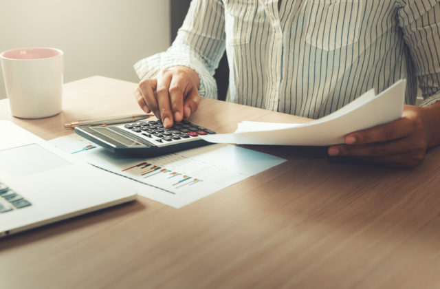 MH Manažment pokračuje v odpredaji svojich podielov vo viacerých firmách, prebehne formou elektronických aukcií