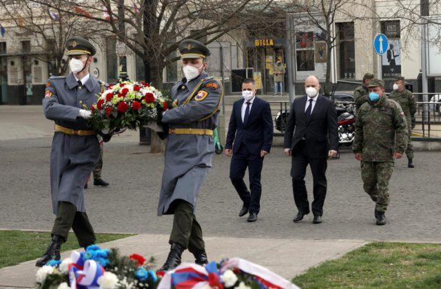 Minister obrany Naď si pripomenul výročie oslobodenia Bratislavy