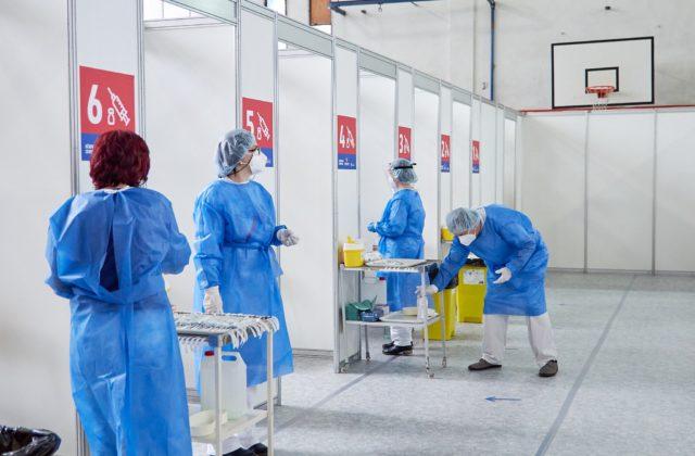 Banskobystrický kraj otvoril ďalšie vakcinačné centrum, tímy lekárov a sestier zabezpečili jódové kúpele