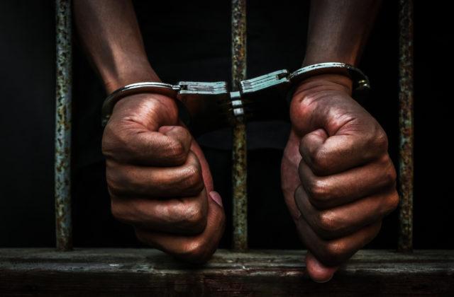 Počas veľkého záťahu proti obchodovaniu s ľuďmi zatkli v Afrike a Európe takmer dvesto ľudí