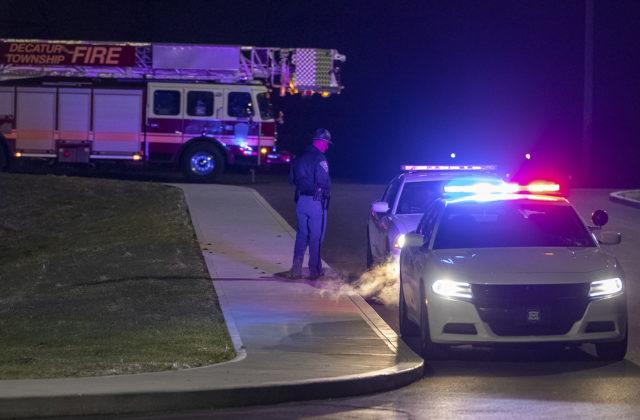 V americkom FedExe sa strieľalo, osem ľudí je mŕtvych. Strelec nakoniec otočil zbraň proti sebe (video)