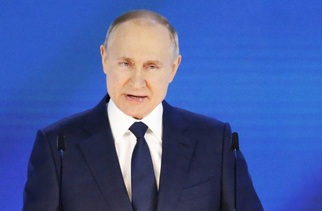 TASS: Putin nevylučuje odchod krajín východnej Európy z EÚ