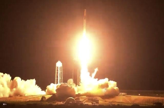 Blue Origin Jeffa Bezosa žaluje NASA, dôvodom je kontrakt s Elonom Muskom