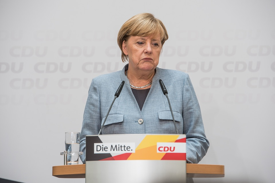 Welt: Merkelová žiada európske krajiny, aby odovzdali svoju suverenitu EÚ!