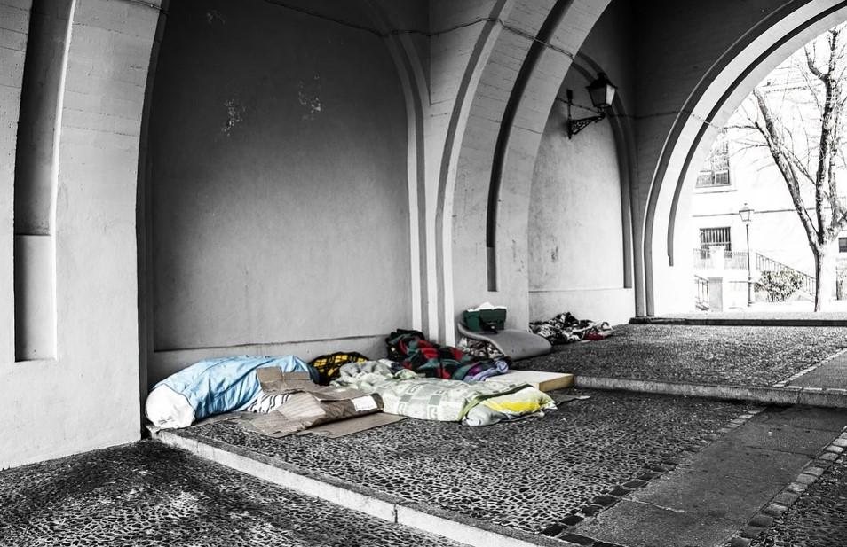 """Migranti bez dokladov protestujú v bruselskom kostole. """"Máme dosť tohto života"""""""