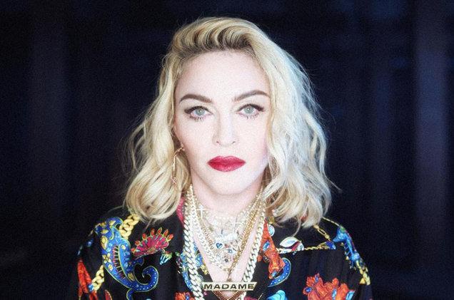Šesťdesiatnička Madonna sa vyzliekla skoro donaha. Tá má, ale odvahu.