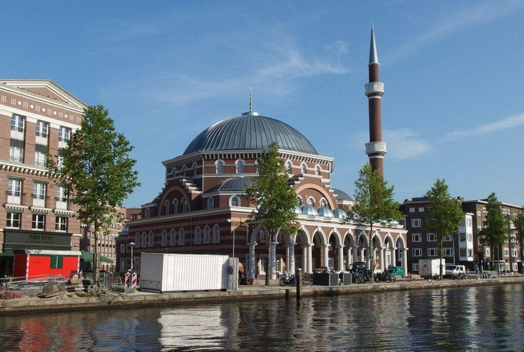 Slovensko bez terorizmu úplne odmieta islam a nedovolí jedinú mešitu + VIDEO