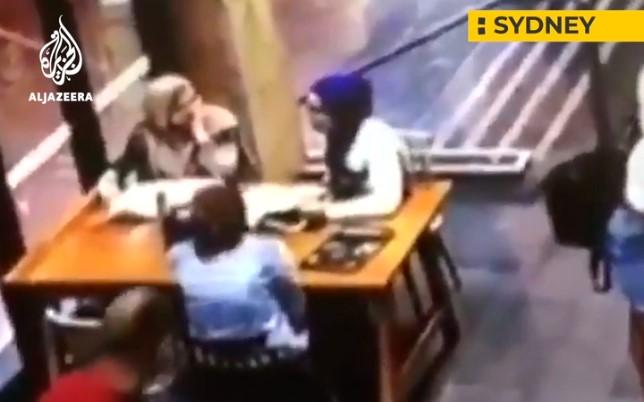 Šokujúce Video: Tehotná moslimská žena bola napadnutá v Austrálii