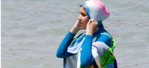 Ďalší zákaz moslimských plaviek. Francúzi sa boja incidentov